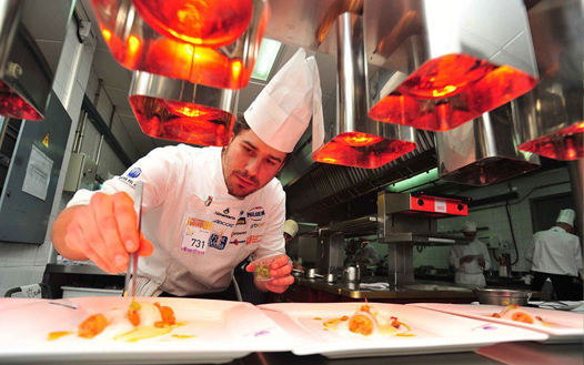 Chef Javier Estévez, Cocinando con éxito